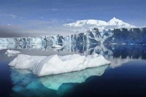 Misteri Kehidupan Di Benua Antartika : Ribuan Spesies di Kedalaman Danau ES